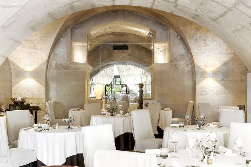 L Oustau De Baumanière Restaurant
