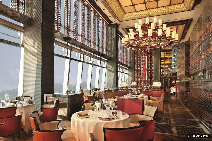 很多餐廳在餐期時會讓水喉一直開着,但米芝蓮二星天龍軒會要求廚師在不用水時關掉水喉,在細節着手保護環境。