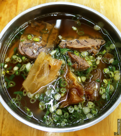 林東芳牛肉麵不僅是許多在地人的宵夜首選,也是牛肉麵首選。