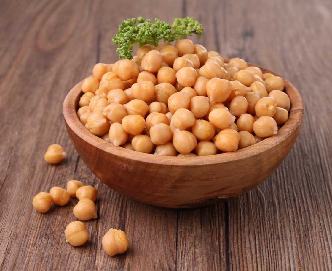 A bowl of garbanzo beans