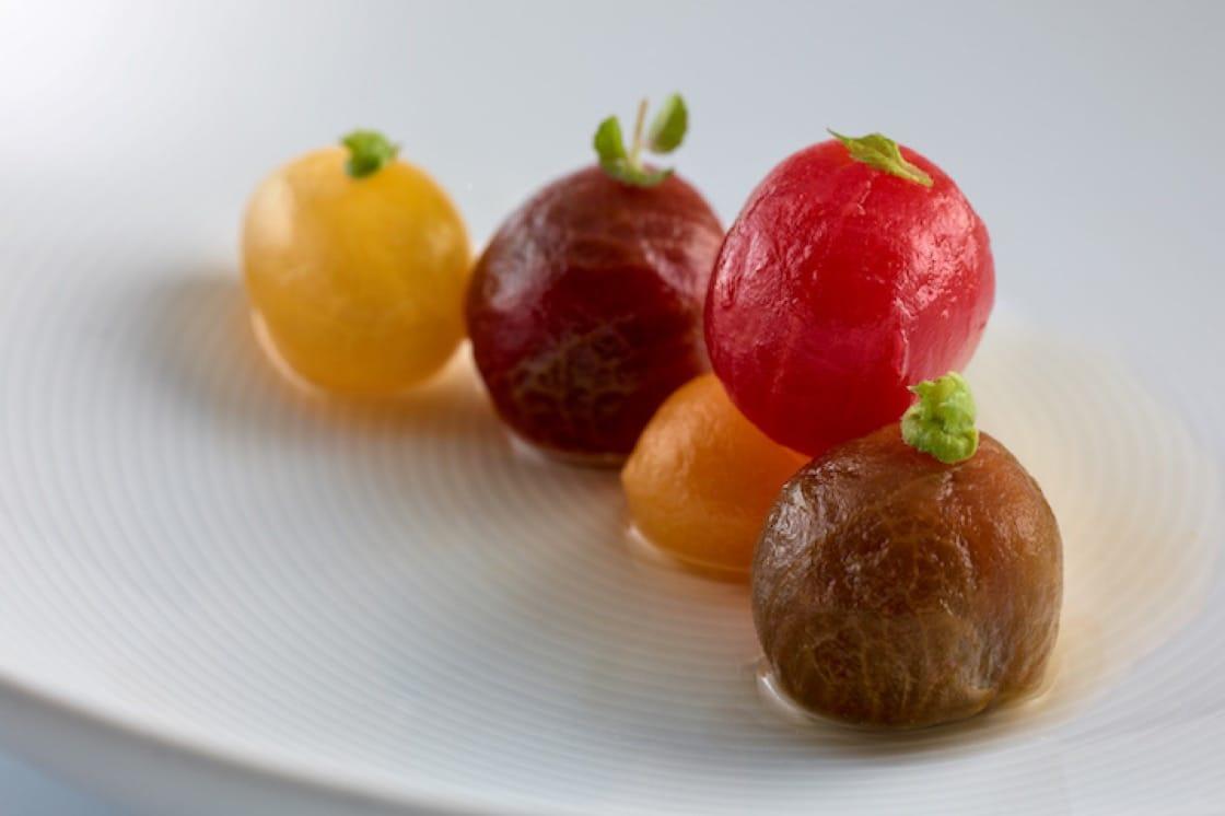Josean 致力於帶出食物最重要的風味和特色,圖為不同顏色、口感的番茄。圖:Nerua