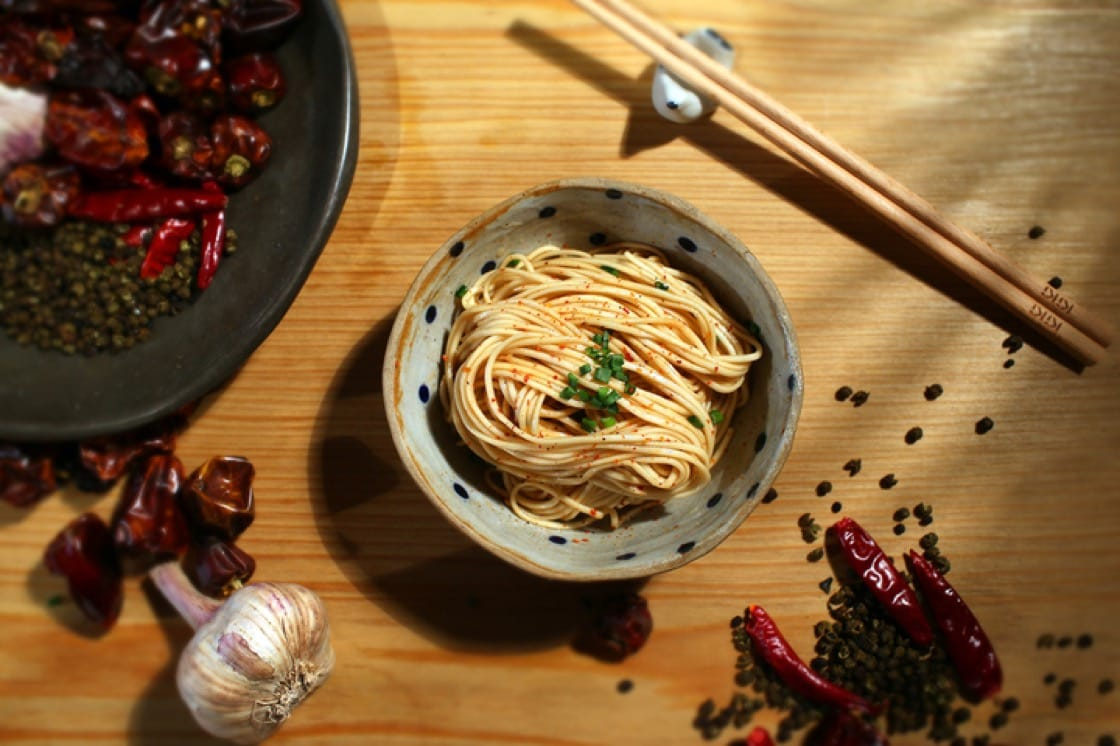 These fast cooking noodles come in 2 flavours, scallion and Sichuan pepper.