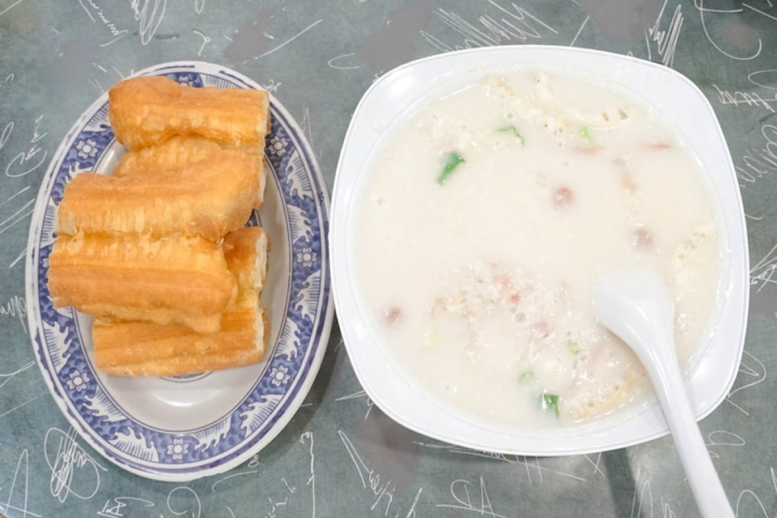 Congee is often eaten accompanied with crispy deep-fried dough fritters, or you tiao