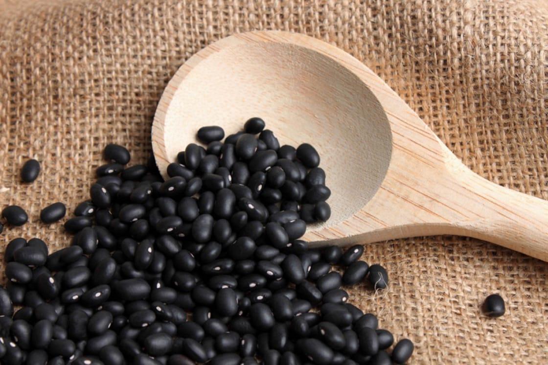 黑豆色澤烏黑發亮,在拉丁美洲料理中的特別受歡迎。