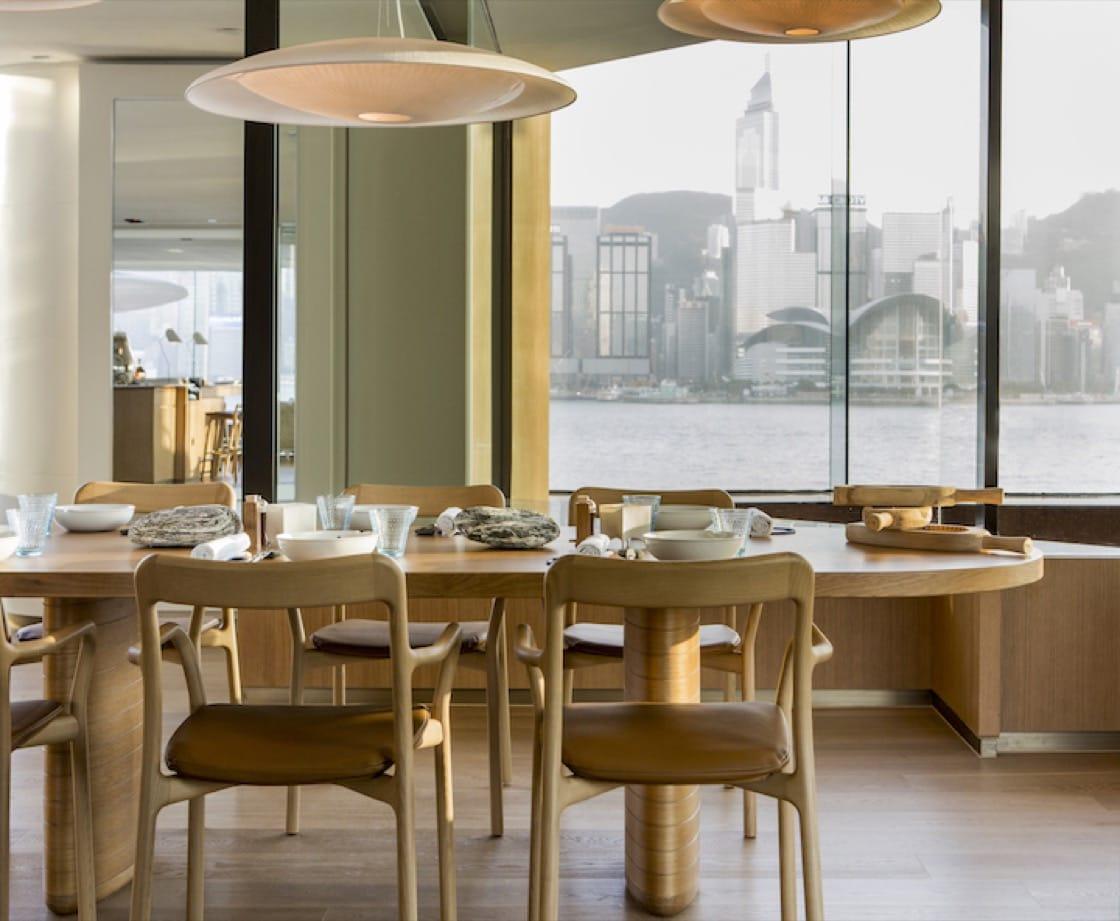巴黎及香港的 Rech,皆由法國設計師 Marie Deroudilhe 設計,善用燈光及天然光。