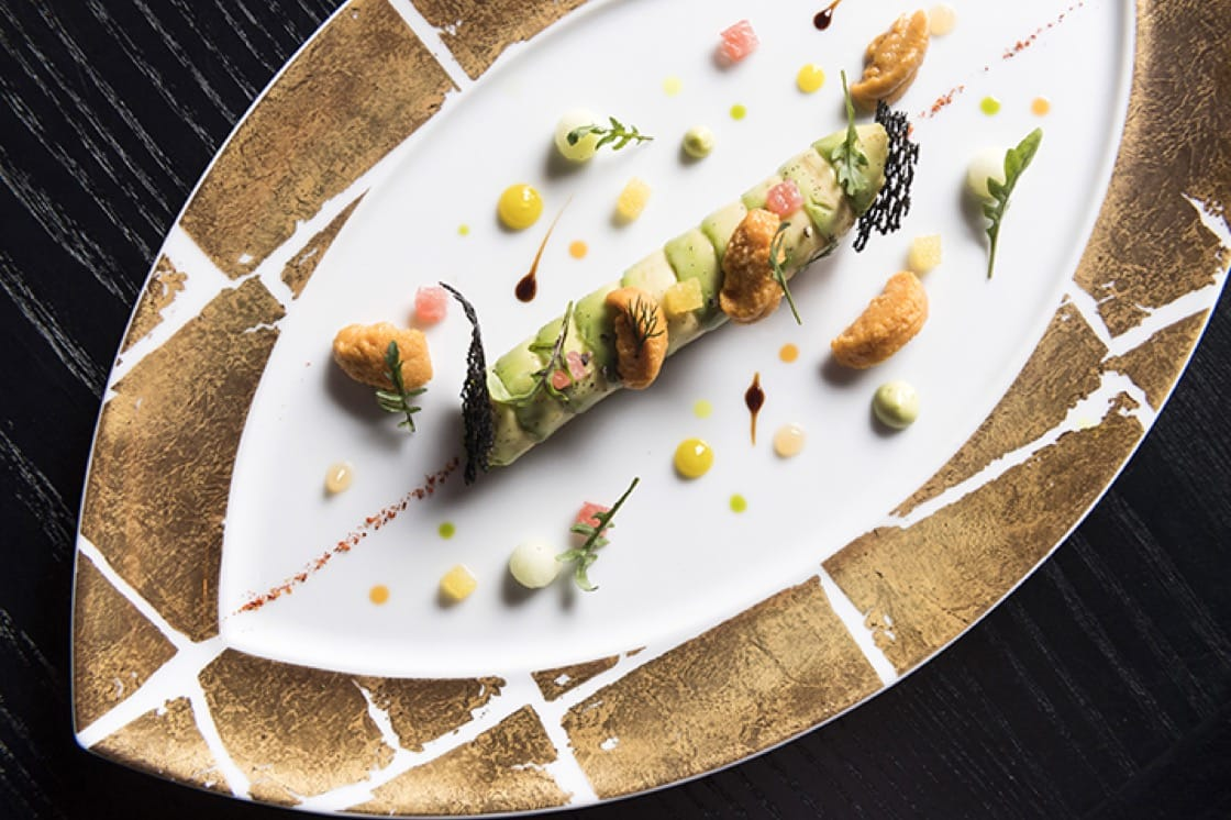 Sea urchin, King crab, avocado and citrus is available on the à la carte menu.
