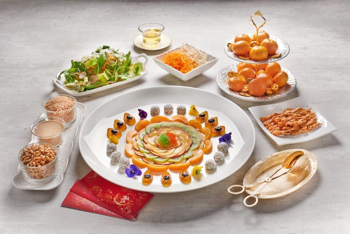 迎春水果蔬菜鱼生(图片来源:岷江在纬壹)