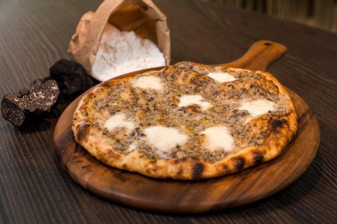 Fior di latte cheese, mascarpone and truffle cream pizza. (Photo: The Cliff)