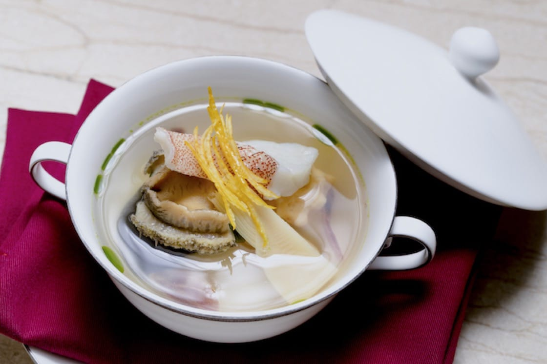山本征治和稗田良平為晚宴創作的椀物,呈現台灣大地滋養的滋味。
