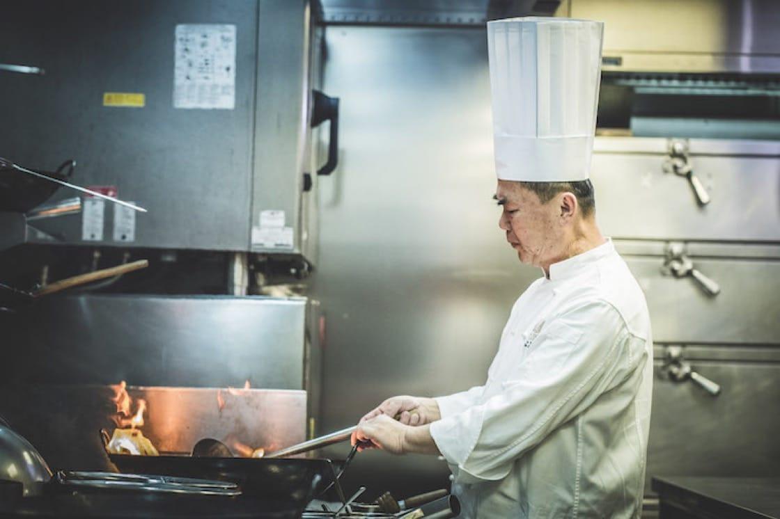 臺北文華東方酒店「雅閣」的主廚謝文,以「民俗的記憶」為主題,設計晚宴菜色。