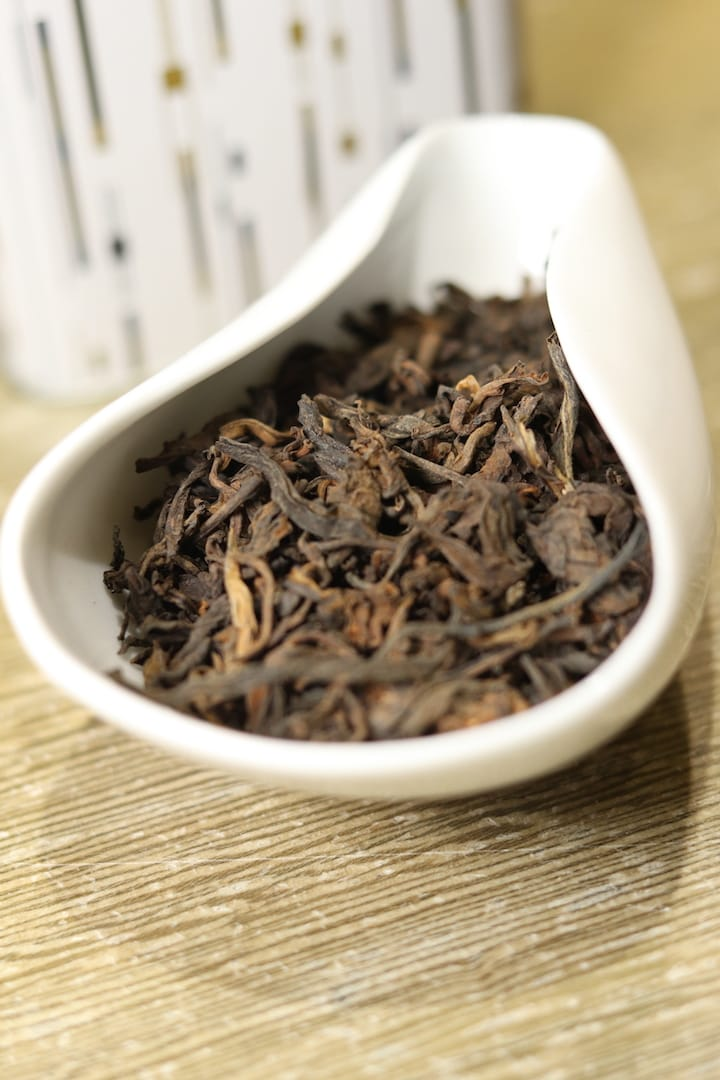 Loose leaves are more suitable for novice tea drinkers.