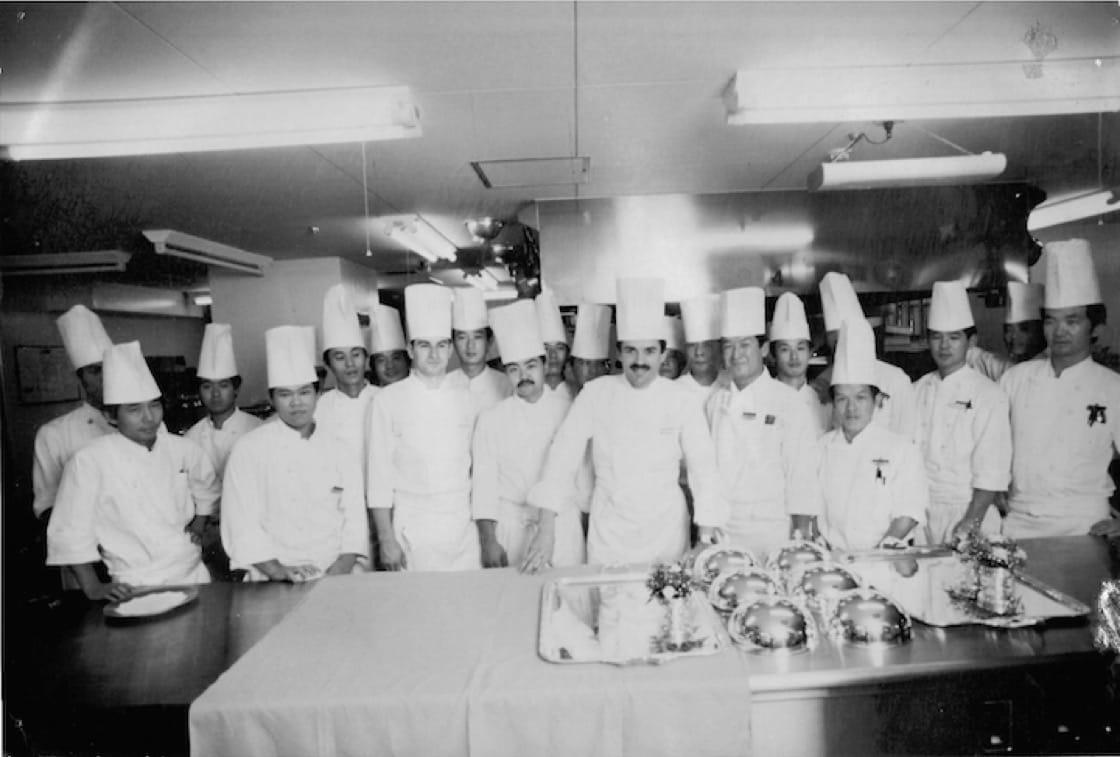 Bouchet的東京團隊:建立強大的隊伍對餐廳非常重要。