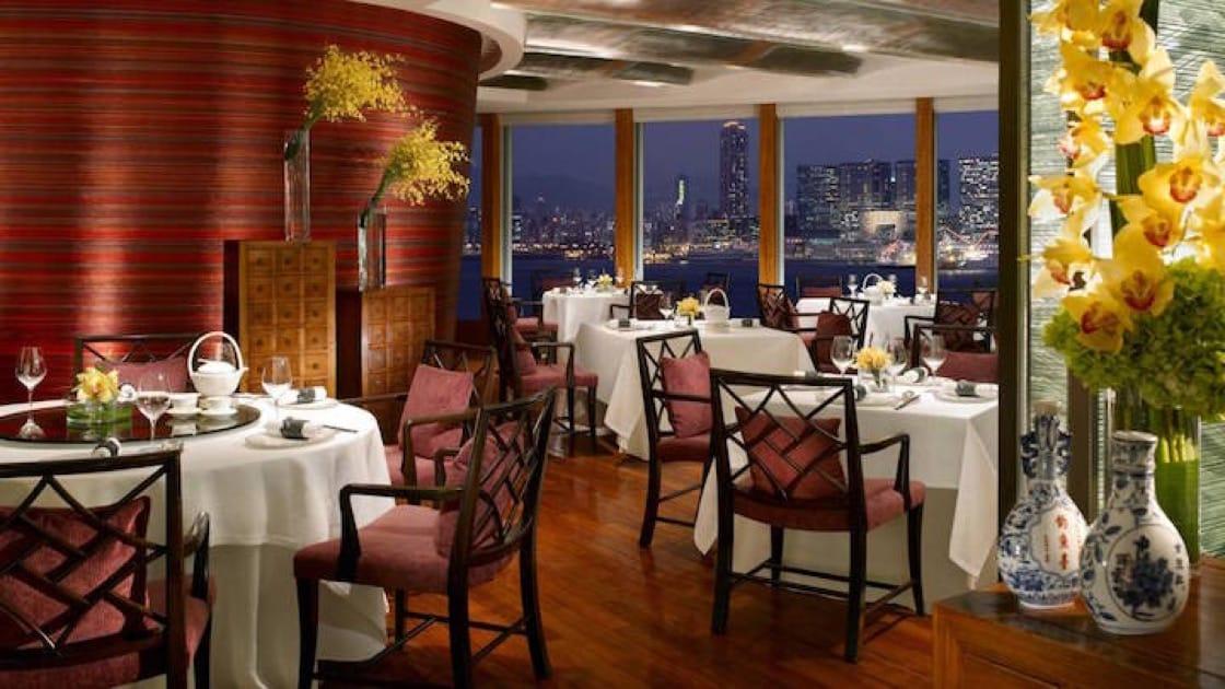 香港龍景軒是全球第一家獲得米其林三星的粵菜餐廳。(香港四季酒店提供)