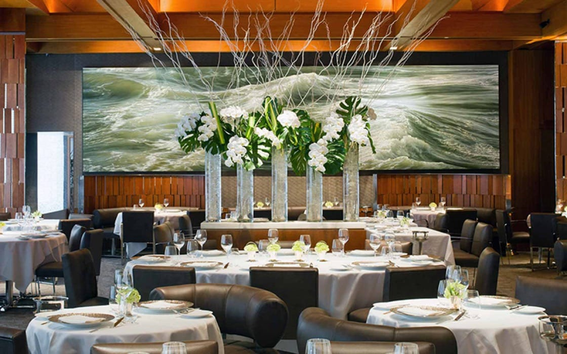 The interior of three-Michelin-starred Le Bernardin.