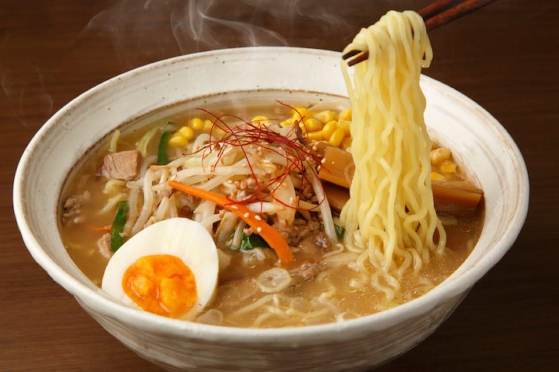 信州味噌味道浓淡适中带辛口,用来制作汤面,十分美味。(资料图片)