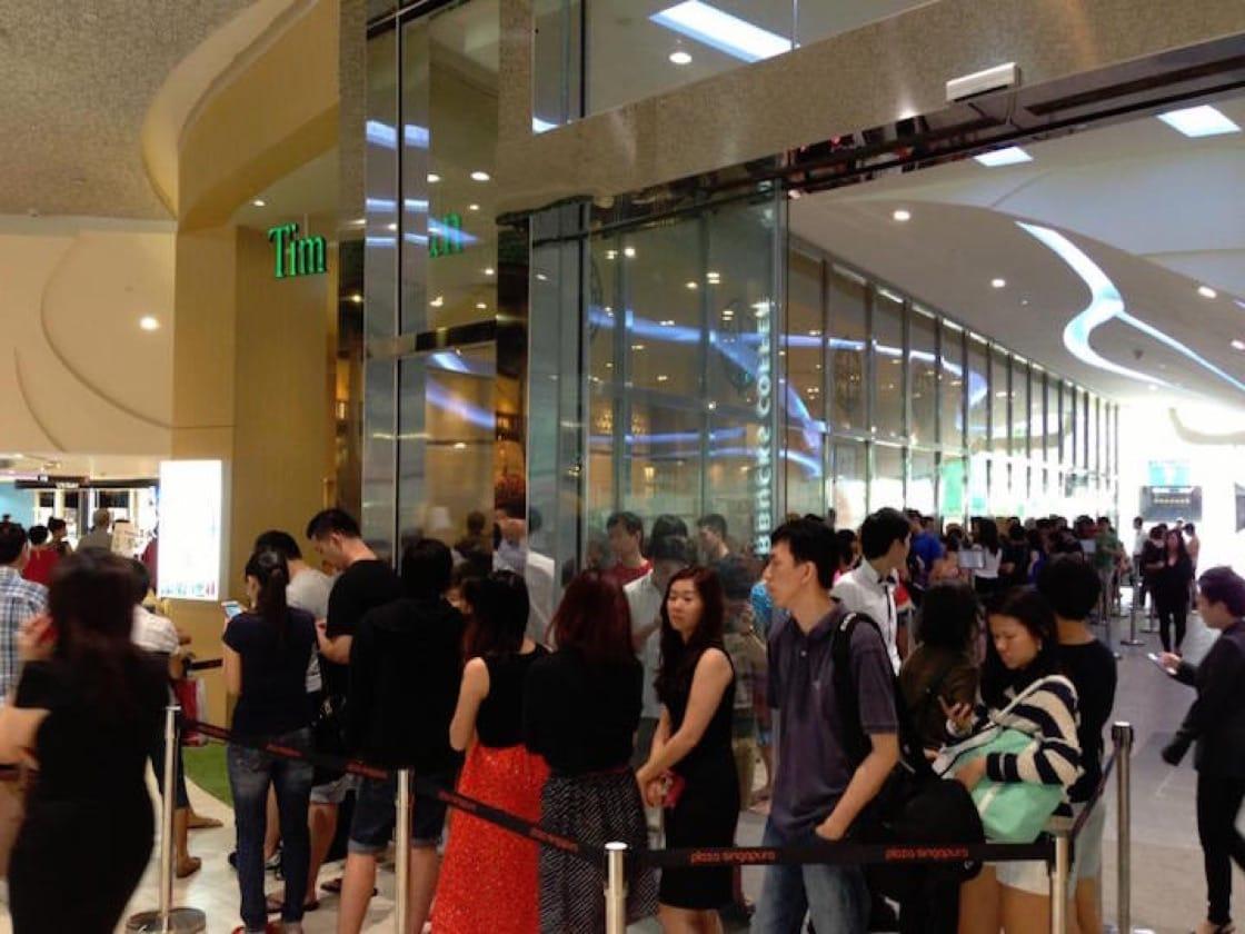 「添好運」2013 年在新加坡開設首家海外分店,創下了食客排隊 6 小時的盛況。(添好運面書專頁)
