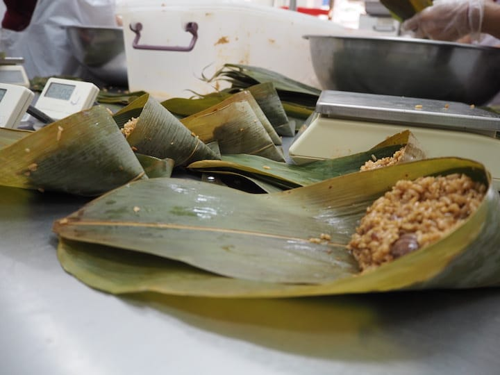 Hoo Kee Bak Chang specialises in Hokkien-style rice dumplings that feature rice fried with five-spice powder and dark soya sauce. (Credit: Kenneth Goh)