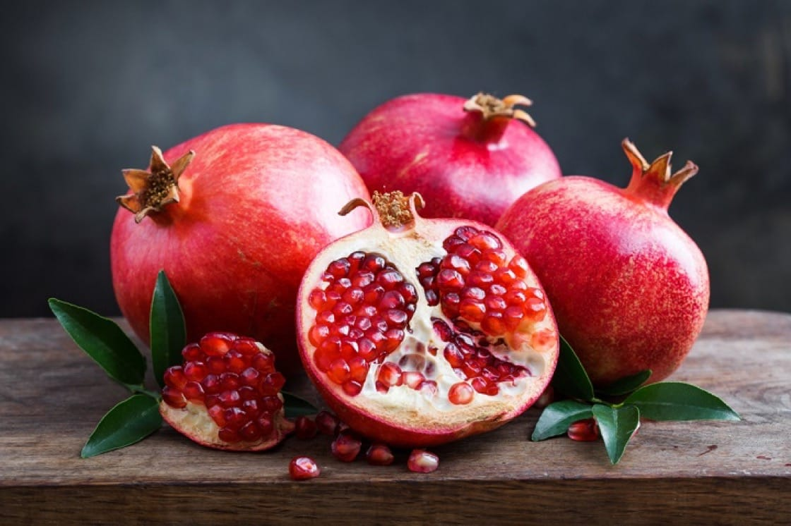 Pomegranate is best eaten in summer as it rehydrates the skin rapidly.