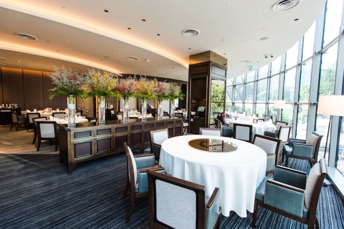 The light-filled interior of Imperial Treasure Fine Teochew Cuisine (Pic: Imperial Treasure website)
