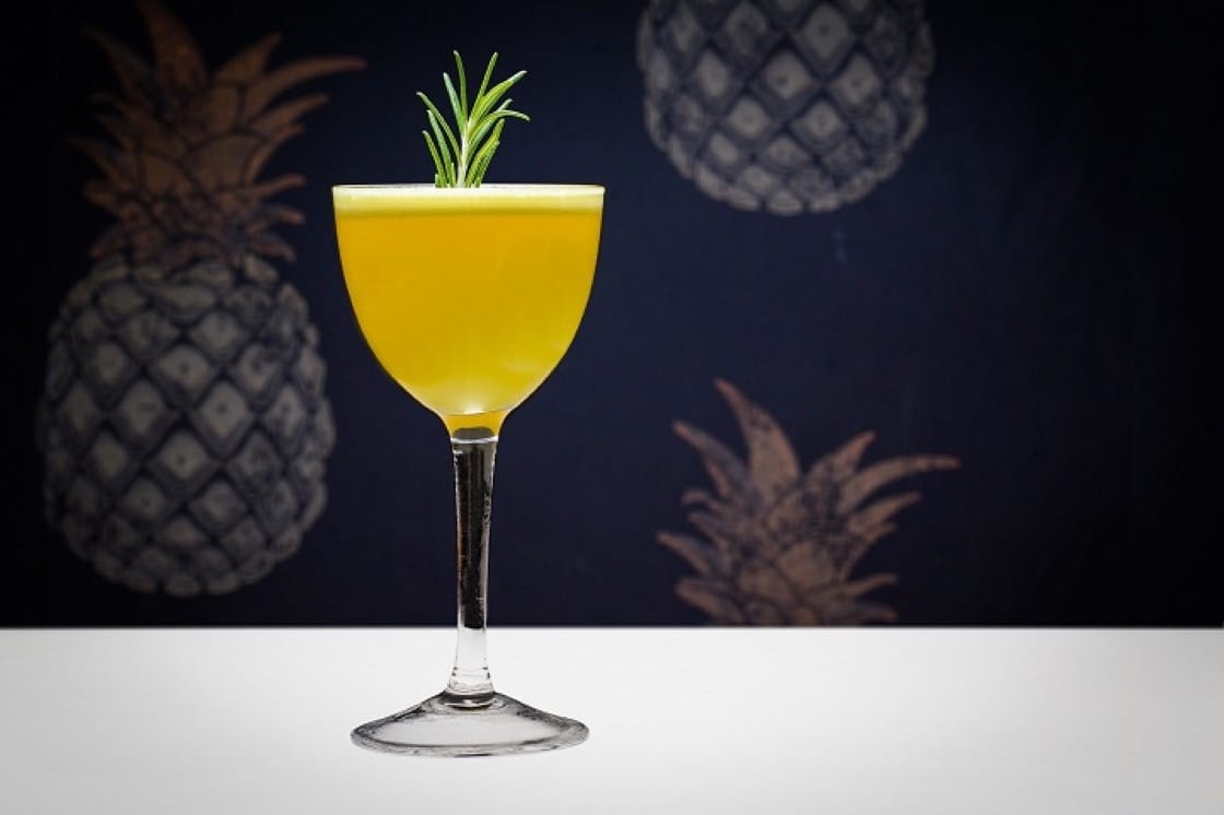 African Safari #1935,一襲鮮艷黃色,感覺十分熱帶。(圖片提供:N o l o Cocktail Bar)