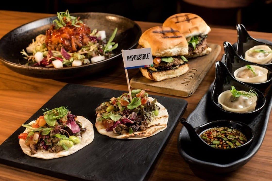 Impossible 菜式包括餃子、墨西哥夾餅、迷你漢堡和釀炸薯仔絲球。