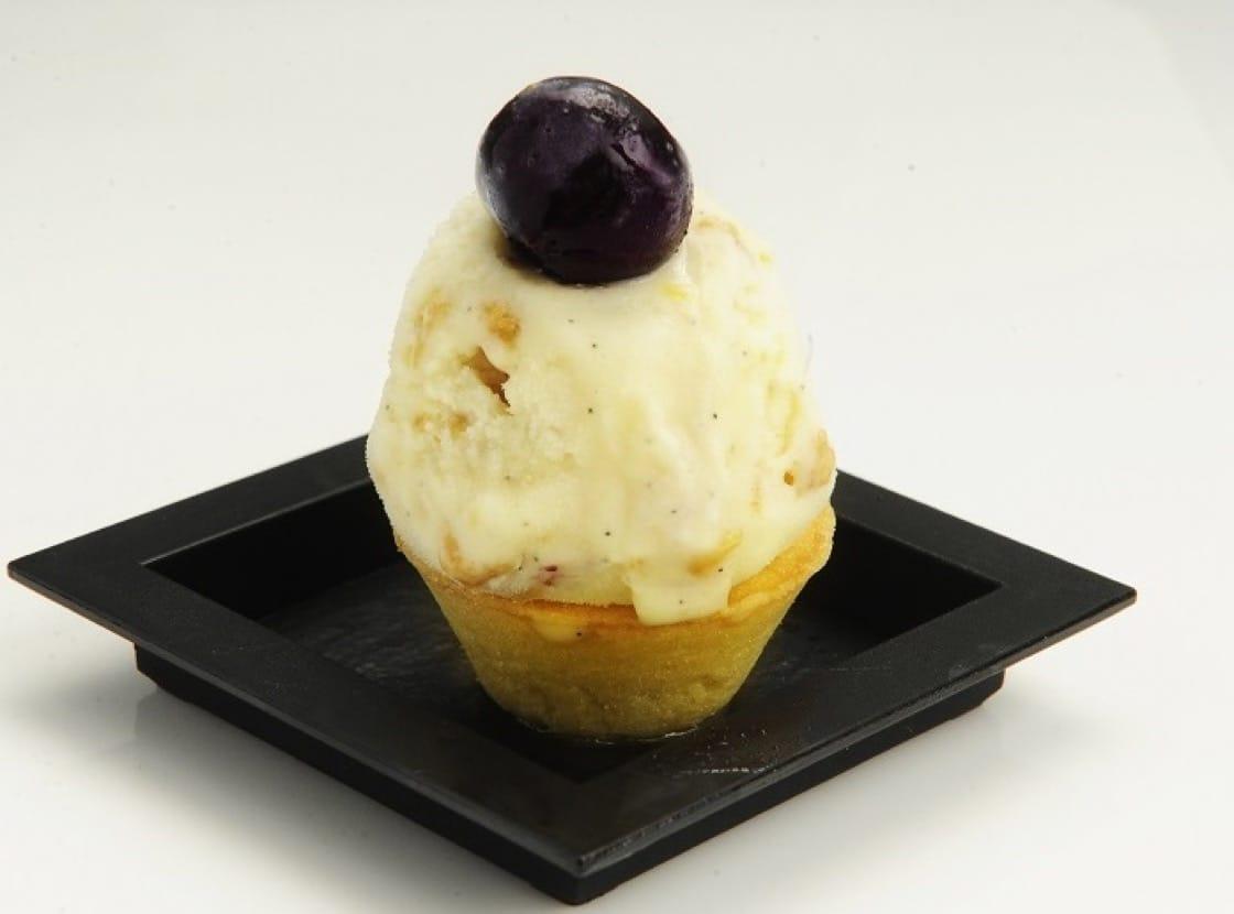 除雪糕筒,也可以用餅撻盛載雪糕。(圖片:唯港薈酒店)