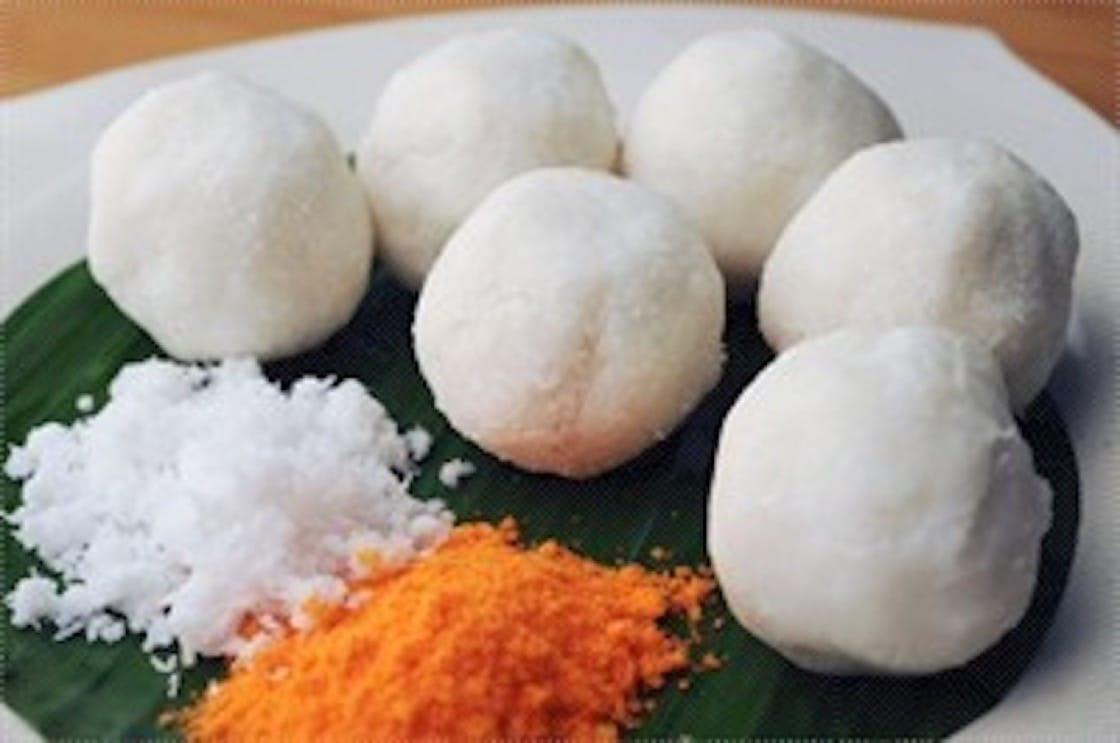 Putu bola is made from leftover putu mayam dough. (Credit: OpenRice)