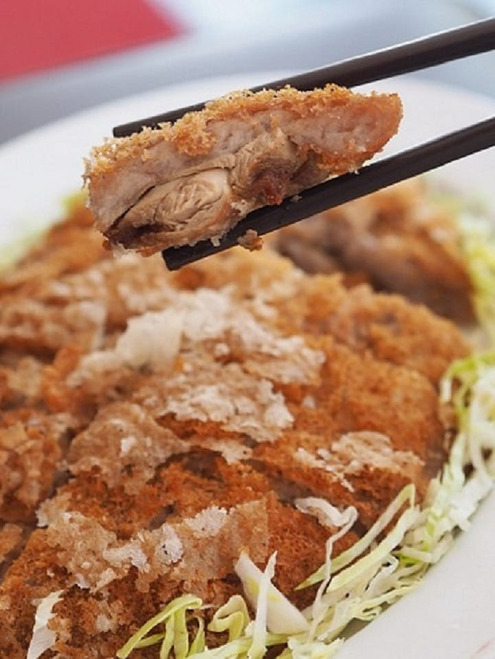One of Peng Family's bestsellers is deep-fried duck and mashed taro, in which the temperature of the oil plays an important role in the final texture.