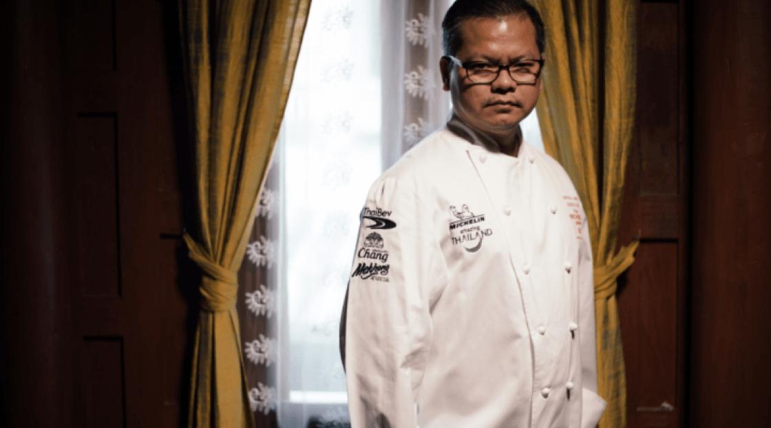 """""""ทุกๆ องค์ประกอบในตำรับอาหารไทยโบราณบ่งบอกถึงความพิถีพิถัน"""" เชฟธนินทร จันทรวรรณ แห่ง 'ชิม บาย สยามวิสดอม'"""