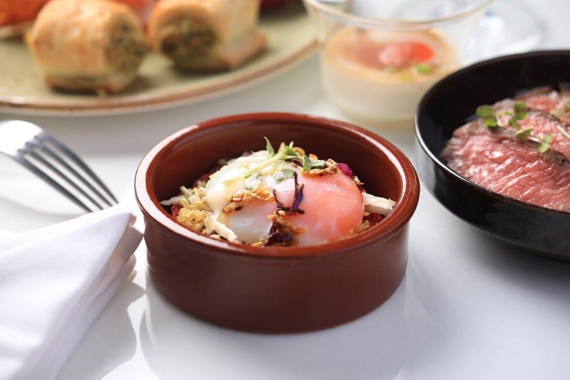 集香甜滑於一身的賓尼廸蛋漢堡,是 Whisk 的必吃項目。(圖片來源:Whisk)