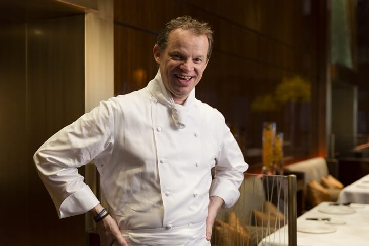 Amber 廚師 Richard Ekkebus 是荷蘭人,擅長在古典法國菜上創新。(圖片來源:Amber)