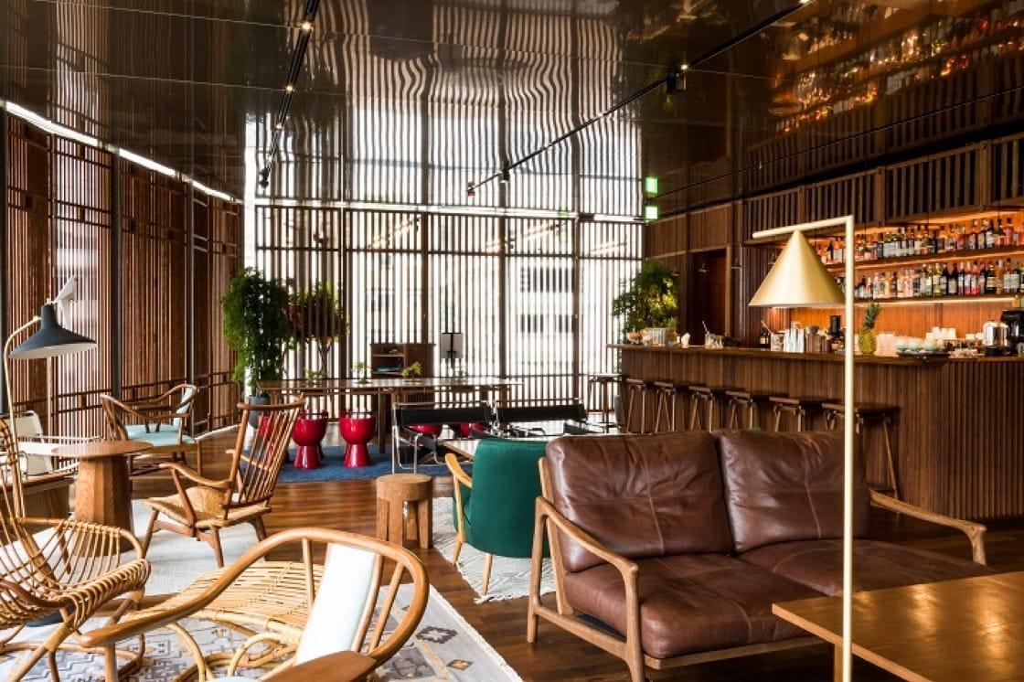 位於大館內的奧卑利餐廳,開在歷史建築群裡,裝潢帶有古風。