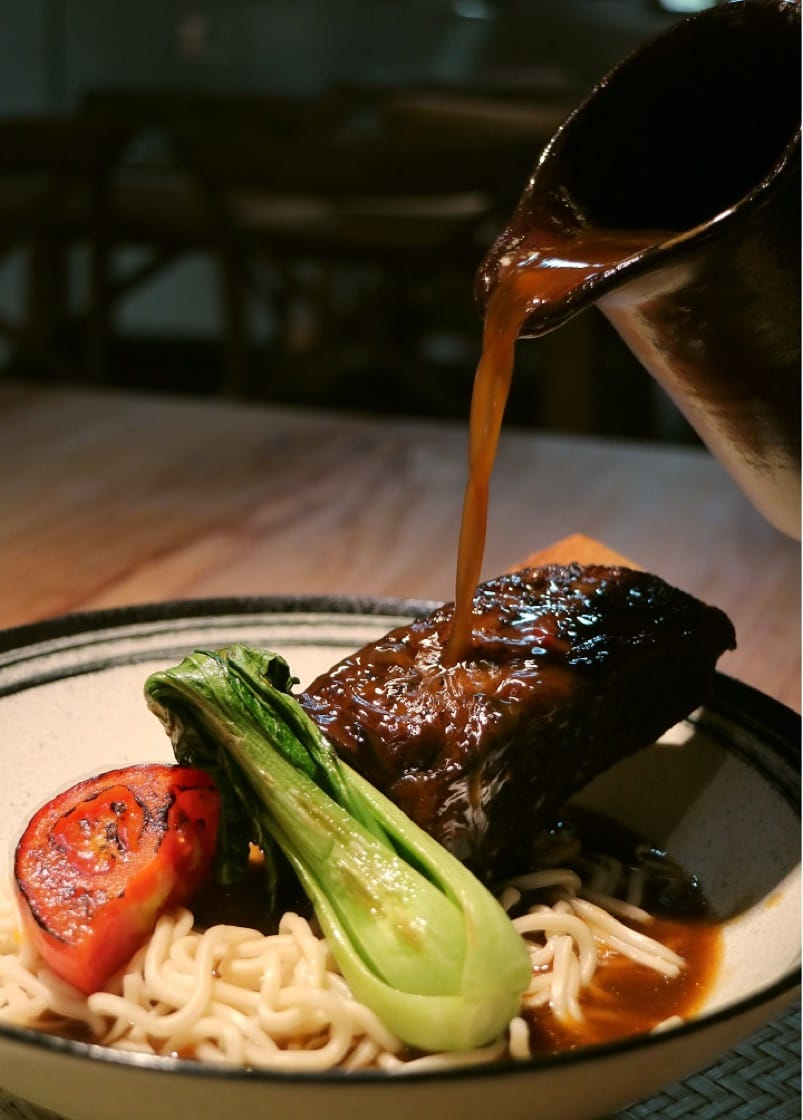 The bestseller of No. 1 Food Theater Cuisine is bone-in short rib noodles, a dish intended to show diners the food of the past and its meanings. (Photo: No. 1 Food Theater Cuisine)