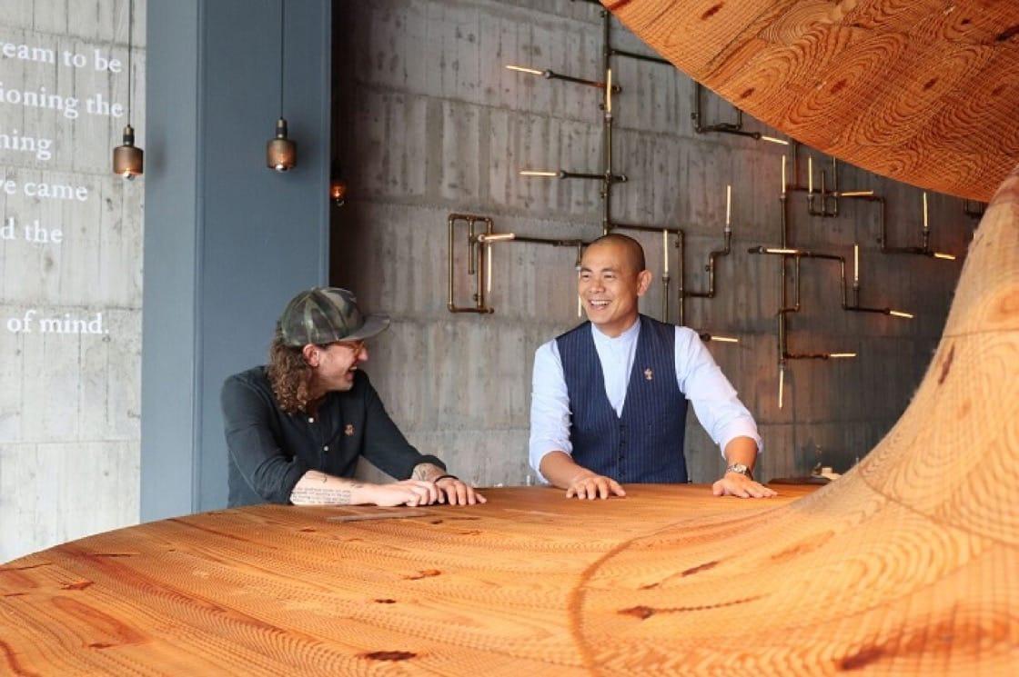 九月初,Seedlip創辦人Ben Branson應邀到RAW,以台灣在地食材做出六款搭配RAW夏季菜單的全新飲料創作,也和江振誠進行了一場特別的雙主廚對話。