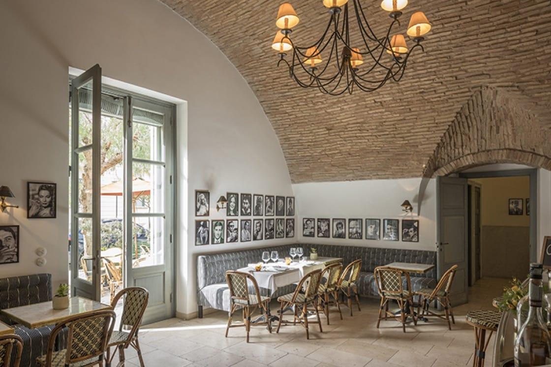 The nine-room Palazzo Margherita is situated in the town of Bernalda in the Serrapotamo Valley. (Photo by Gundolf Pfotenhauer.)