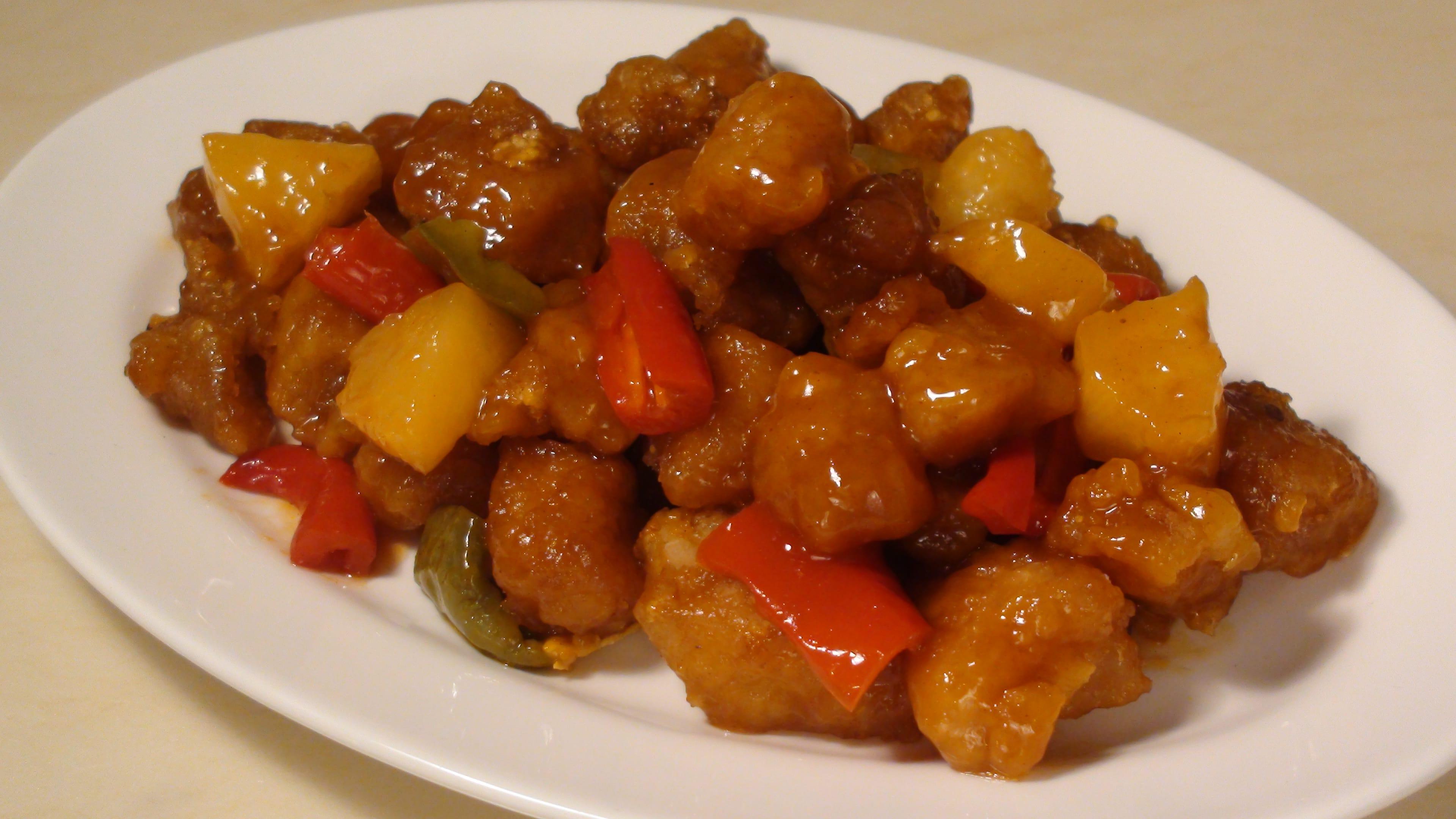 咕噜肉味道酸酸甜甜,口味深受外国人喜爱。(图片:孟惠良)