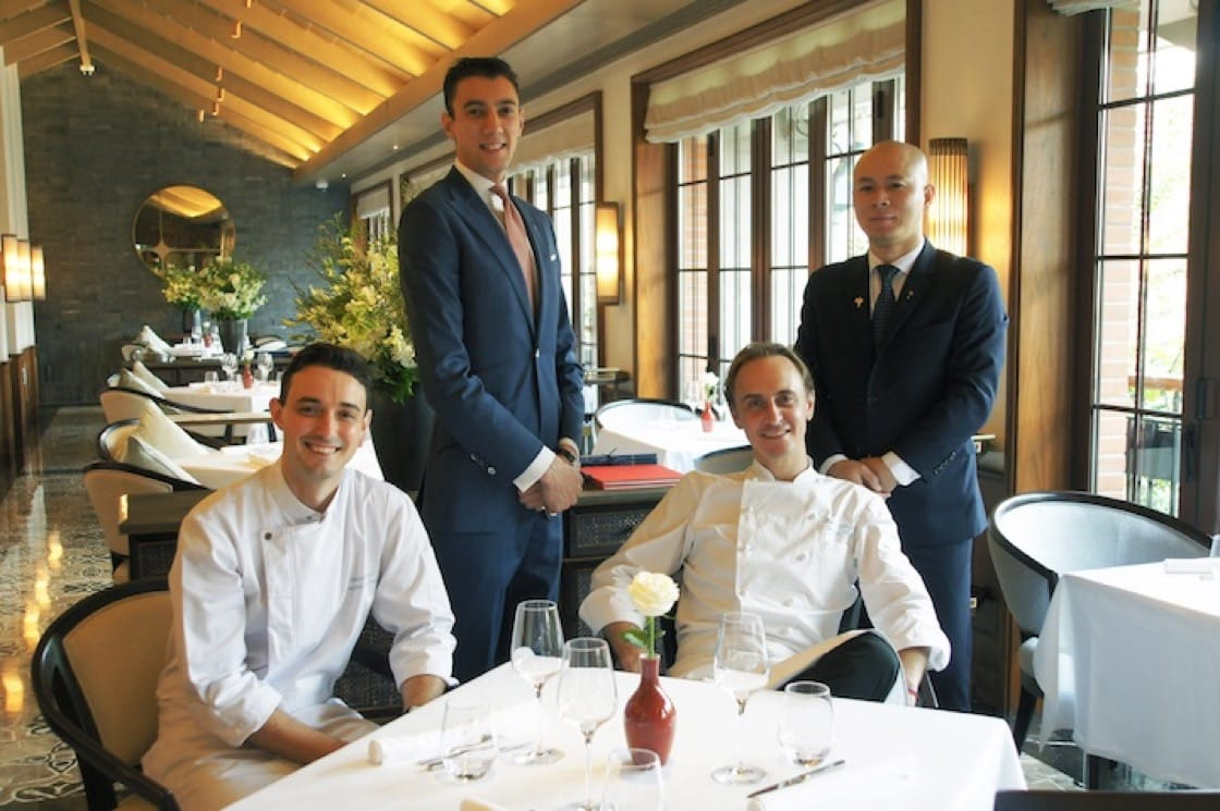 The culinary team at Le Comptoir de Pierre Gagnaire, which garnered one star at the MICHELIN Guide Shanghai 2019. (Credit: Capella Shanghai)