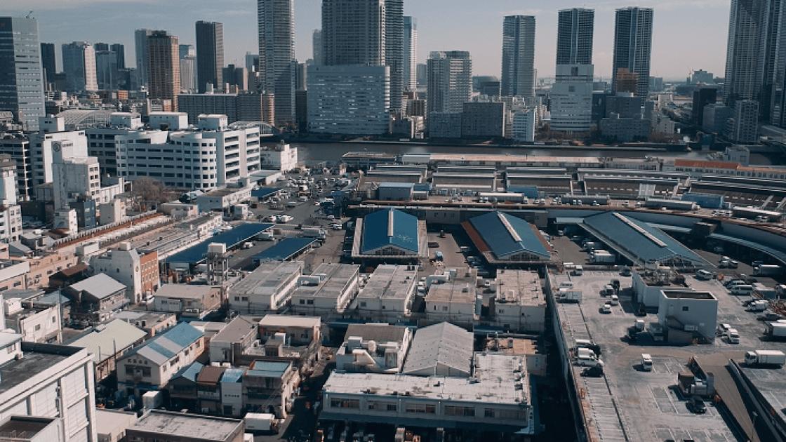 早上起來、睡前,吉武正博總要從家中看看築地市場,這是他最愛的風景,也是靈感來源。