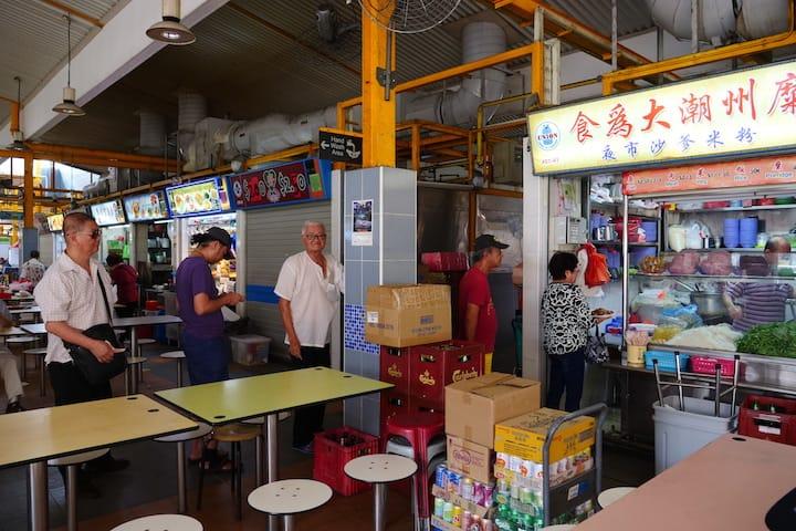 下午4點30分開始,食為大攤位就形成了一條排隊人龍。(圖片來源:《米芝蓮指南》數碼網)