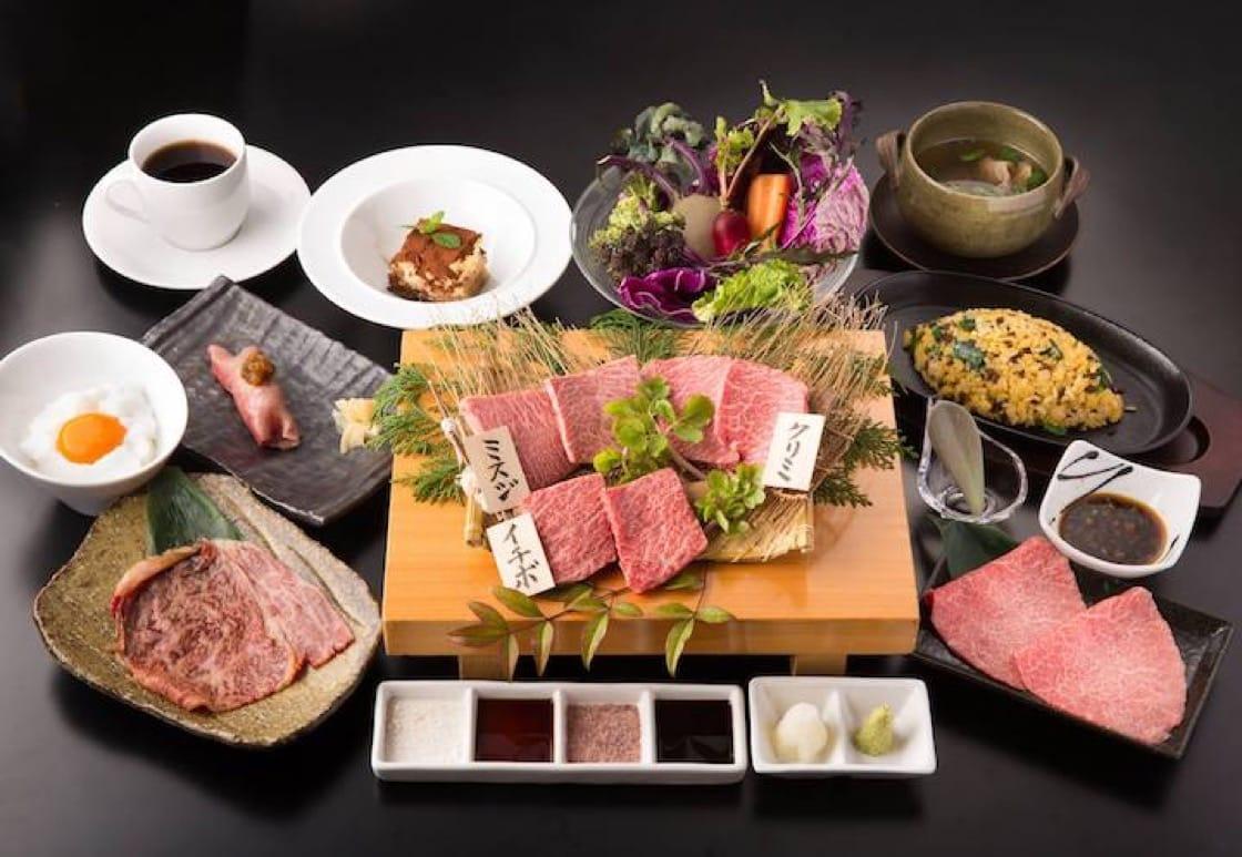 The Daisen Kuroushi beef set at Kyoshotei