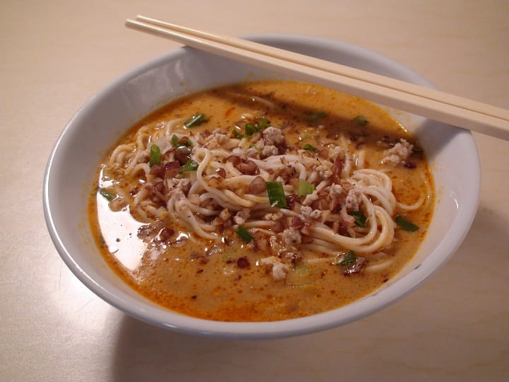 The representative of Hong Kong dan dan noodles, Wing Lai Yuen reduces the spiciness of the dish, focusing instead of the aroma of the sesame paste. (Pic: Man Wai Leung)