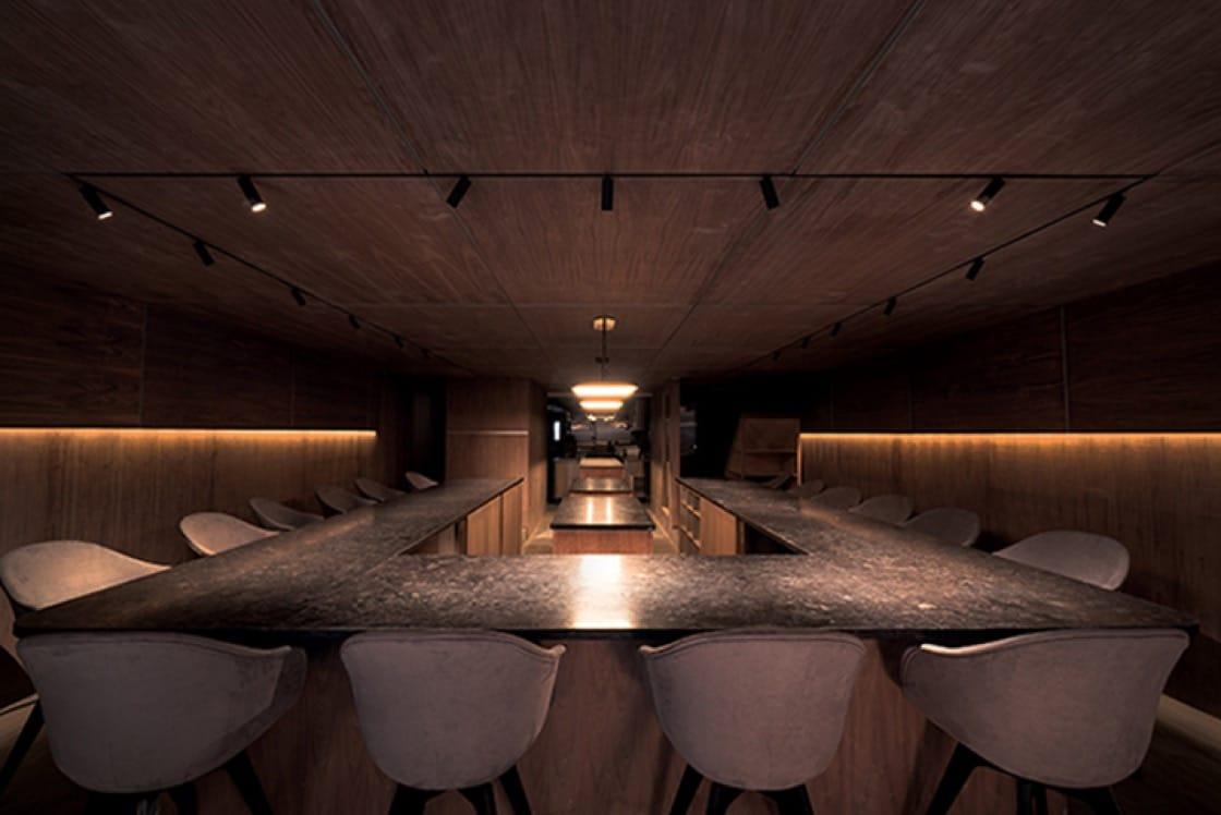 主廚Junghyun與Ellia Park的高端餐飲餐廳Atomix今夏稍早開幕。