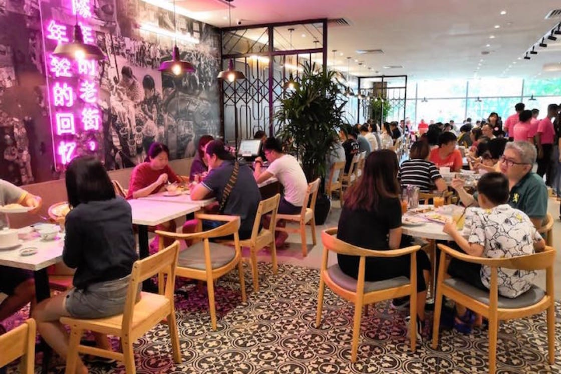 The interiors of Go-Ang Pratunam Chicken Rice Singapore at NEX Shopping Mall (Pic: Go-Ang Pratunam Chicken Rice Singapore Facebook)
