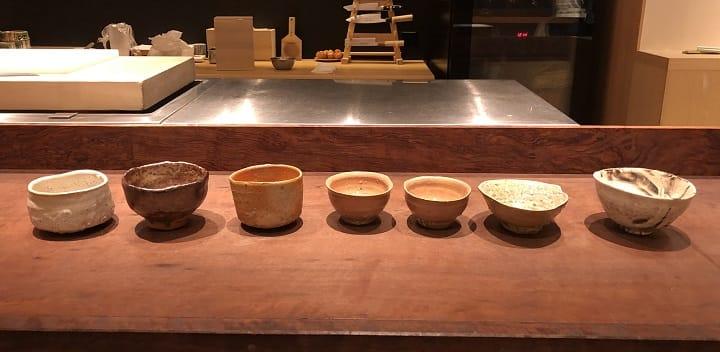 辻村史朗的茶碗各有不同的美態,現時不少美術館及博物館收藏其作品。(圖片:潘小熊)