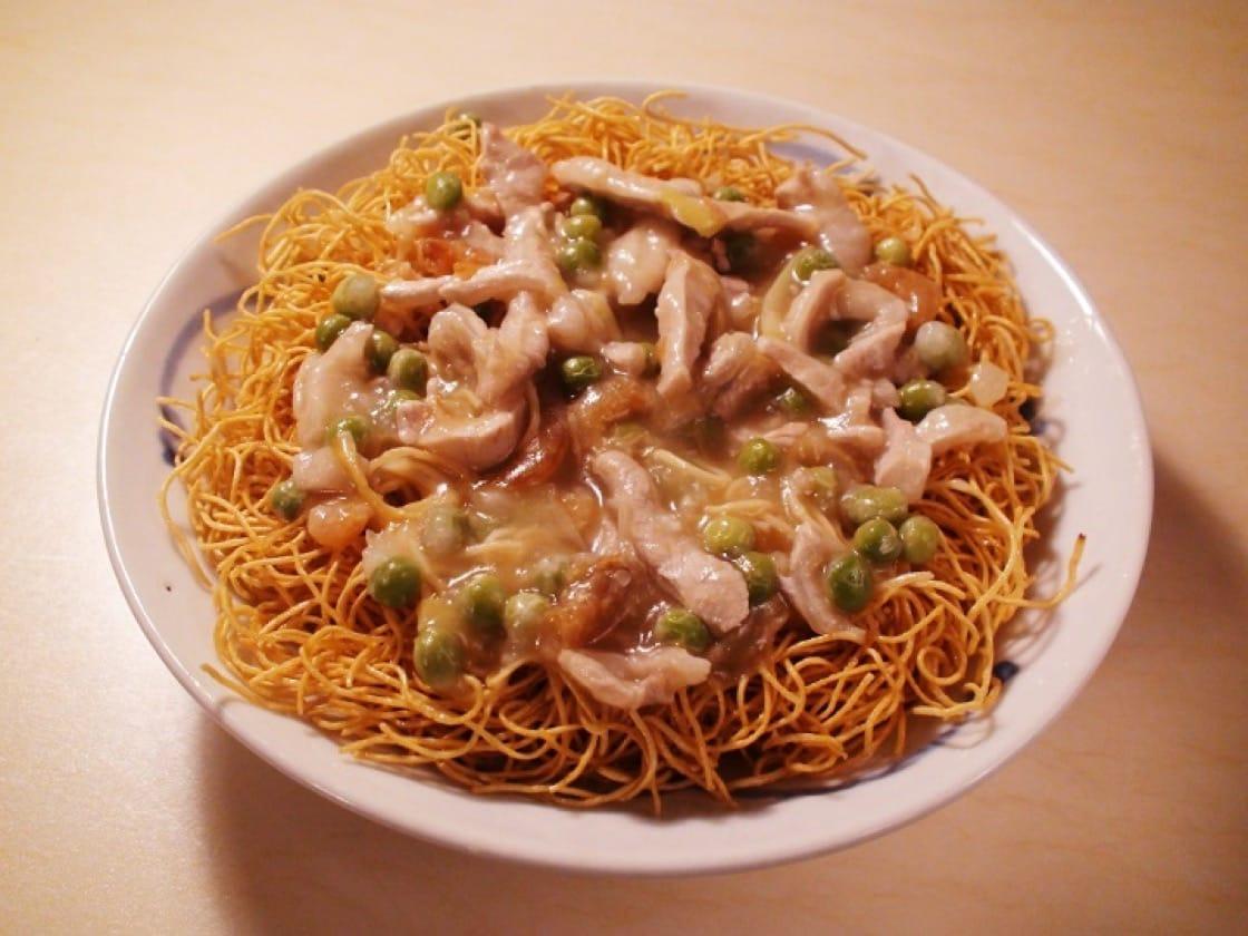 兩面黃原是上海、蘇州等地流行的一種乾煎麵食。(圖片:孟惠良)