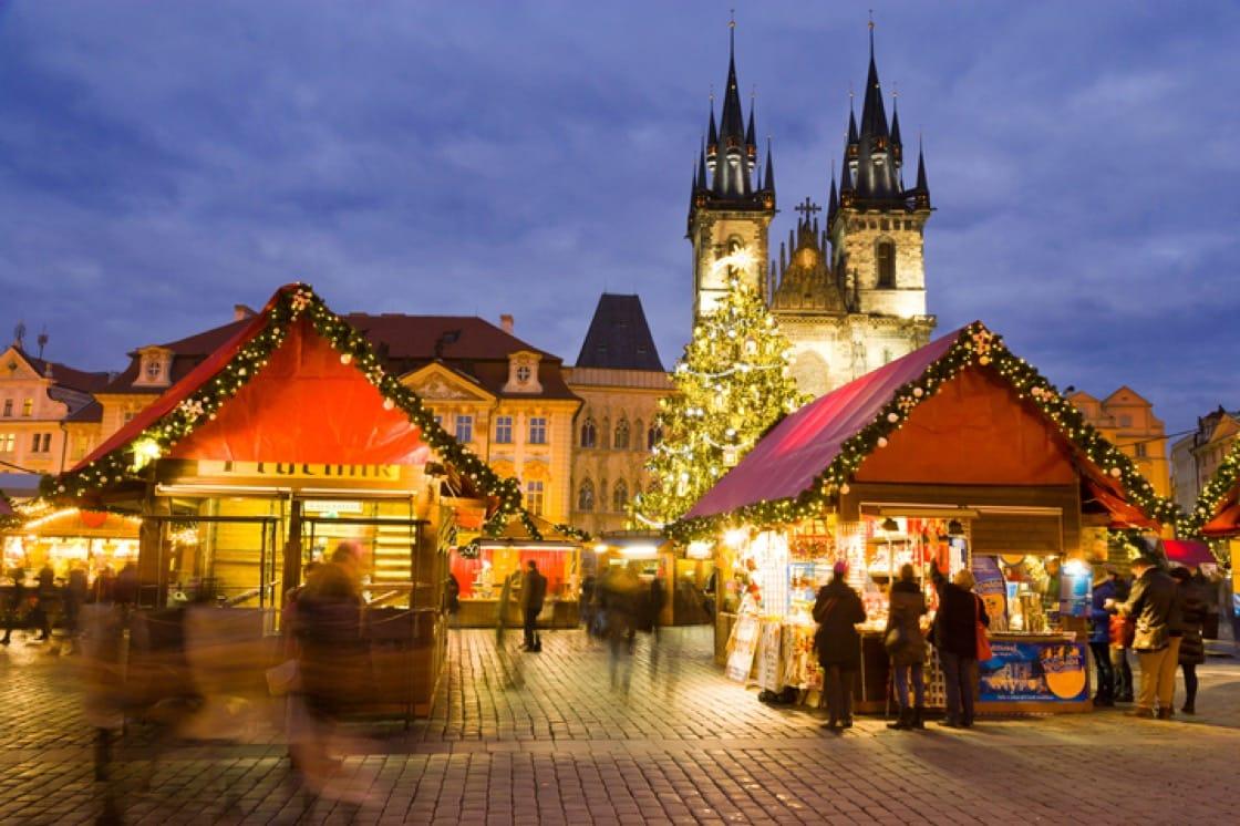 捷克布拉格舊城廣場聖誕市集(照片:Shutterstock)