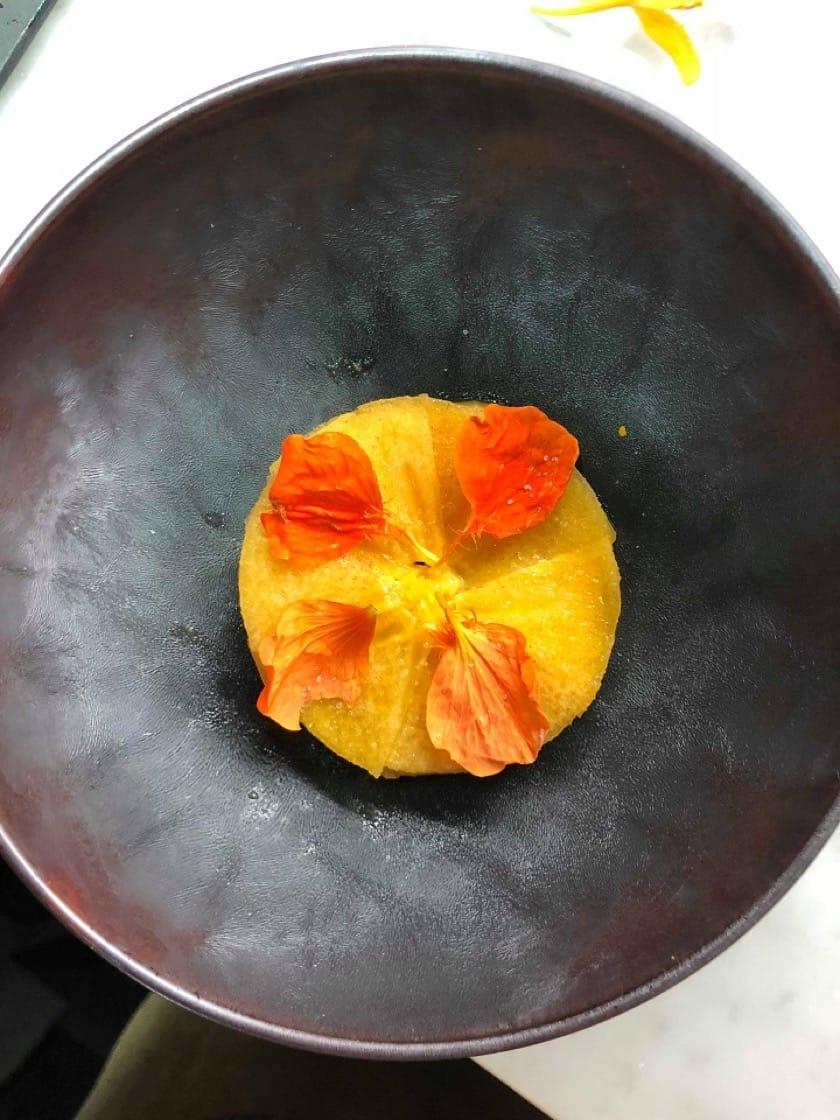 Relae與JL Studio四手餐會的菜色:柿子/番茄/發酵辣椒。(JL Studio提供)