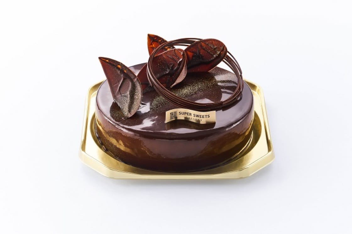 Chocolate Fig Mousse Cake ,塗了厚厚朱古力,造型美觀。(圖片:Super Sweet Gallery)