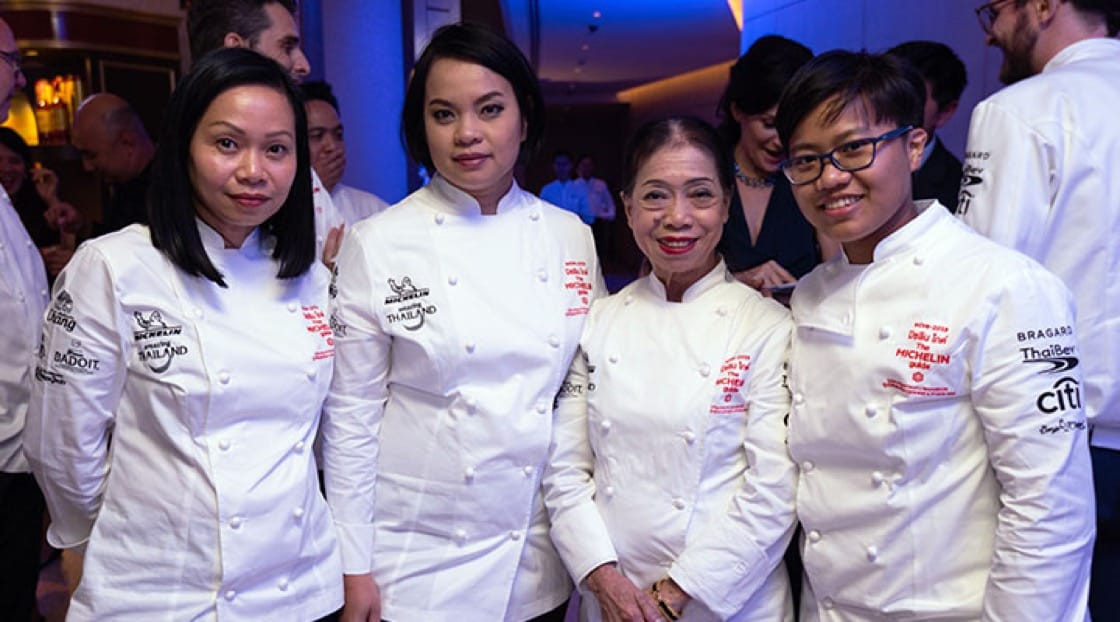 From L-R: Chef Pim Techamuanvivit from Nahm, Chef Bee Satongun from Paste, Chef Jay Fai and Chef Aom Pongmorn from Saawaan.