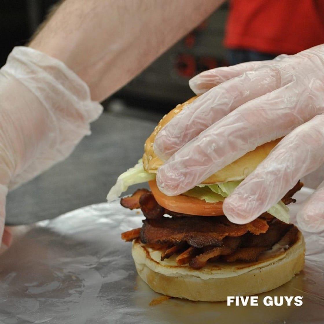 美國人氣漢堡包Five Guys今年登陸香港(圖片:Five Guys面書)